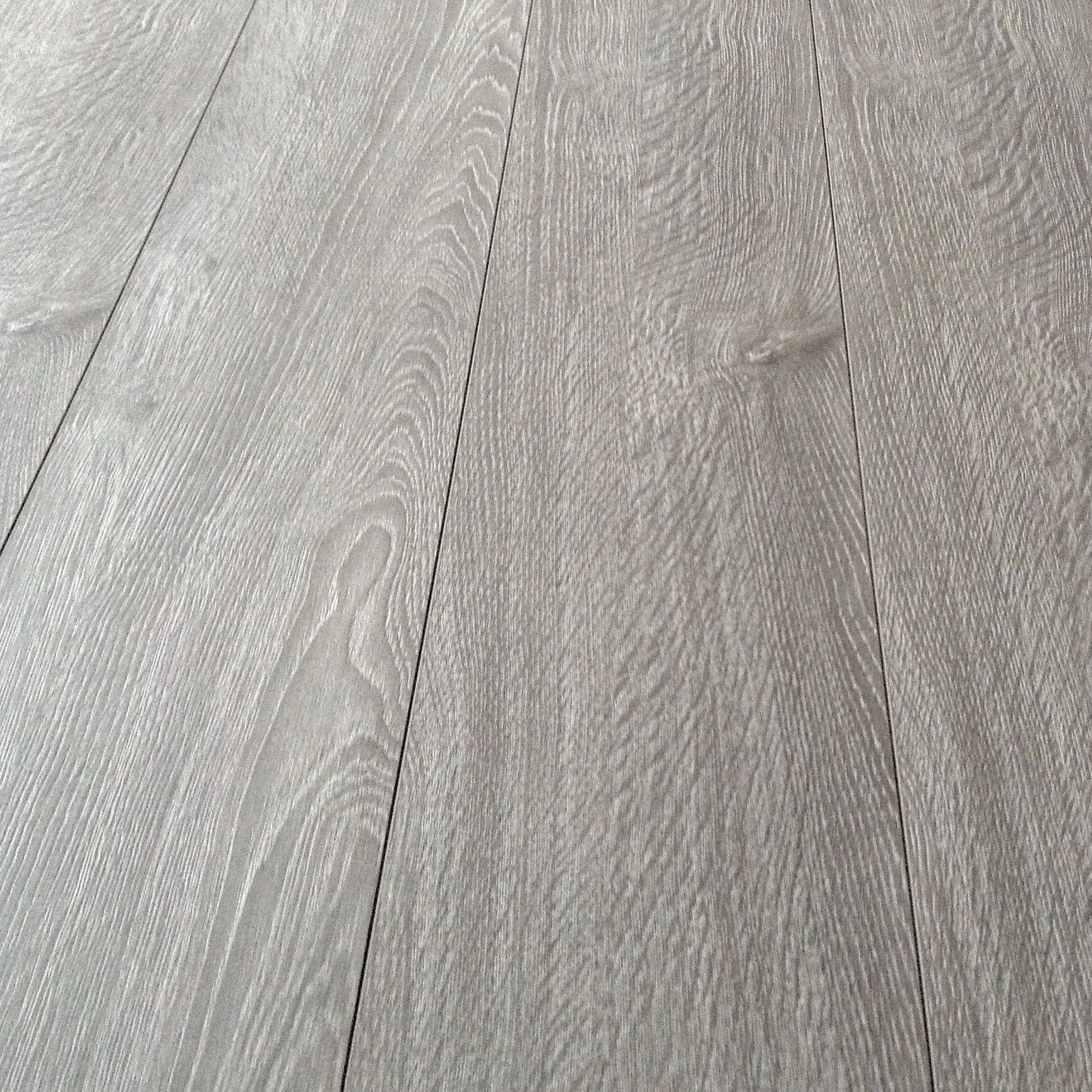 Light Grey Laminate Flooring D513